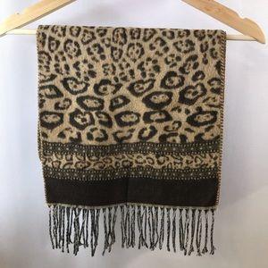 Leopard print scarf Preston & York Acrylic tassel